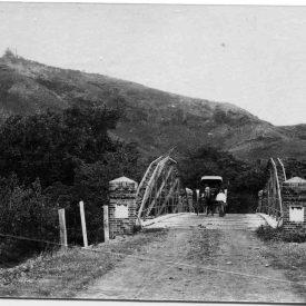 Le pont et les fortins au Punaruu, vers 1885 (D 2004.32.266), G. Spitz. ©MTI-Tous droits réservés